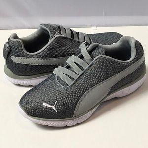Puma Athletic Shoes size 7 Gray Soft Foam